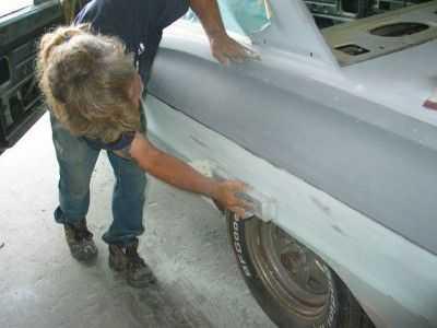 Технология покраски металликом предполагает тщательную подготовку поверхности автомобиля