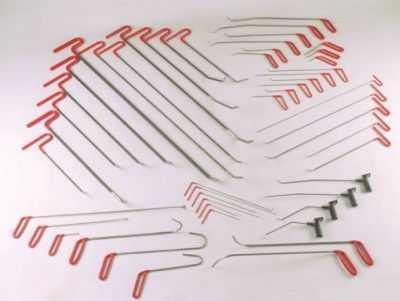 Набор необходимых инструментов для удаления вмятин без покраски