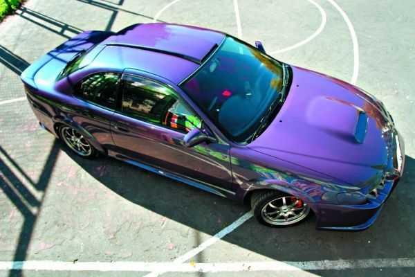 Краска меняет цвет в зависимости от интенсивности света