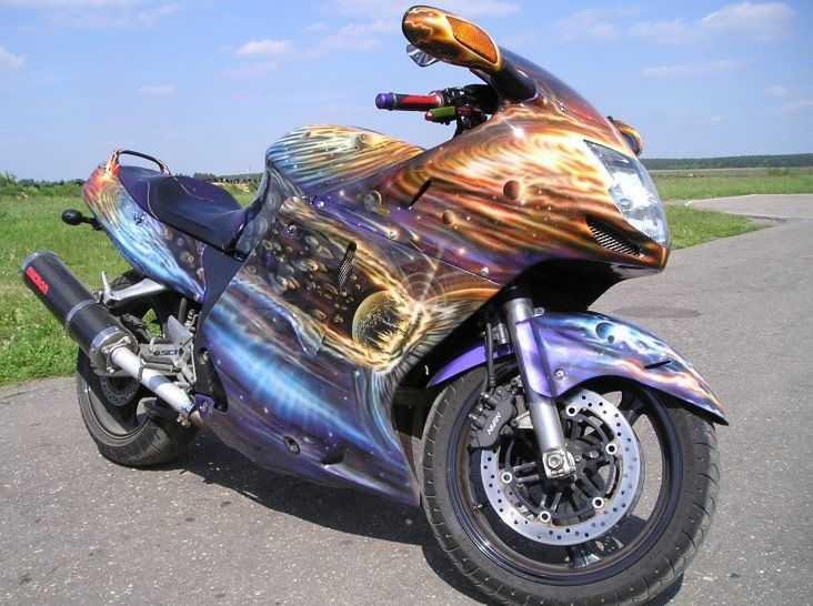 Нередко можно увидеть эксклюзивные виды покраски на мотоциклах