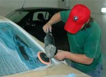 Можно ли выполнить полировку стекла авто своими руками?