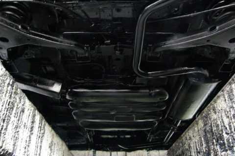 Защита днища автомобиля от коррозии с помощью специальных средств