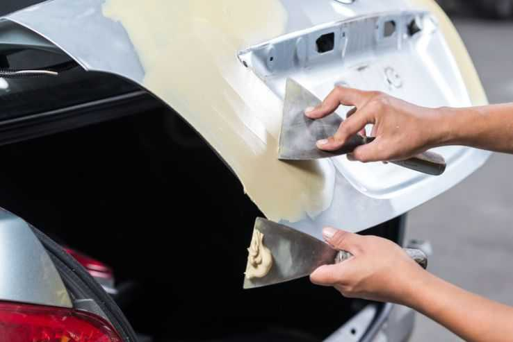 Шпаклевание крышки багажника