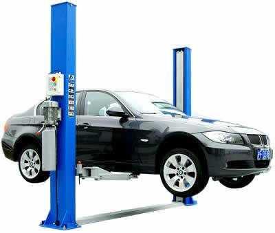 Основное оборудование для кузовного ремонта автомобиля: подъемник