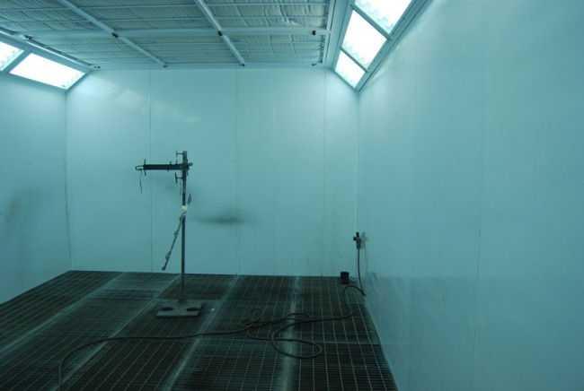 Стены у малярной камеры облицовываются специальным материалом
