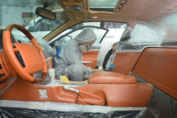 Покраска кожаных деталей салона авто