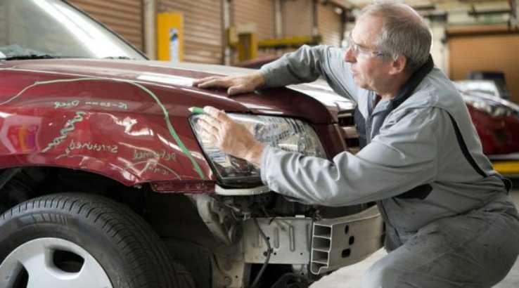 Восстановление геометрии капотного пространства автомобиля