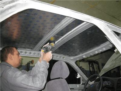 Простой кузовной ремонт автомобиля выполняется своими руками с помощью стандартных инструментов