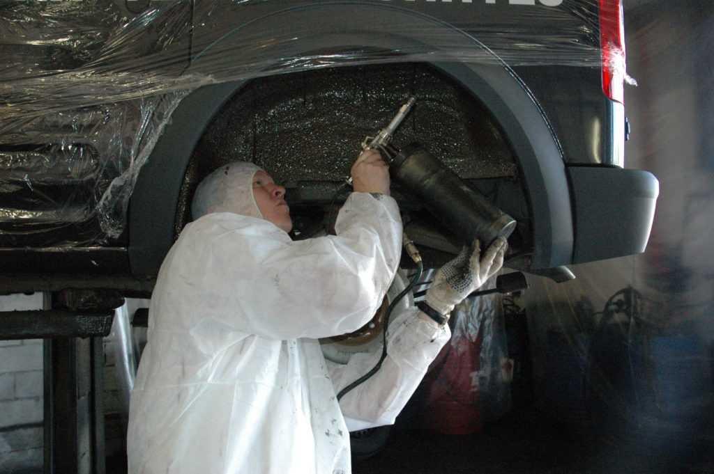Процесс обработки кузова авто