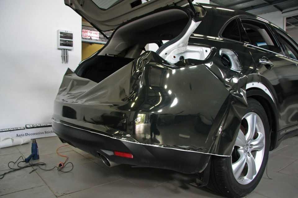 Черный хром на авто выглядит просто потрясающе