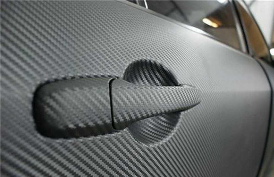 Пленка с интересным рельефом смотрится на авто потрясающе