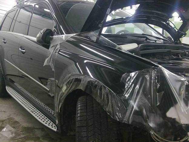 Нанесение бронированной пленки на кузов защитит пассажира от террористов