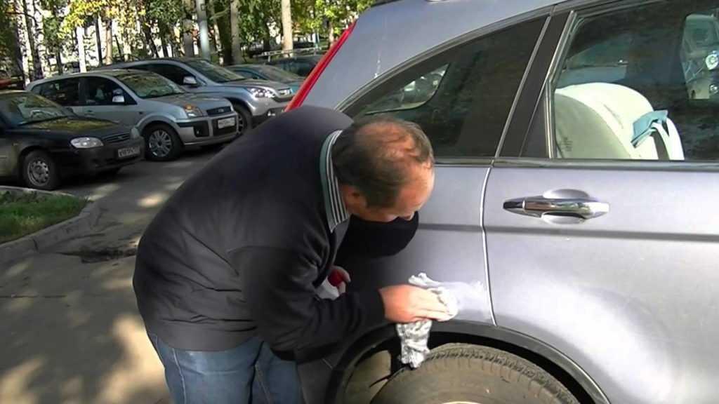 Чем подкрасить царапину на автомобиле