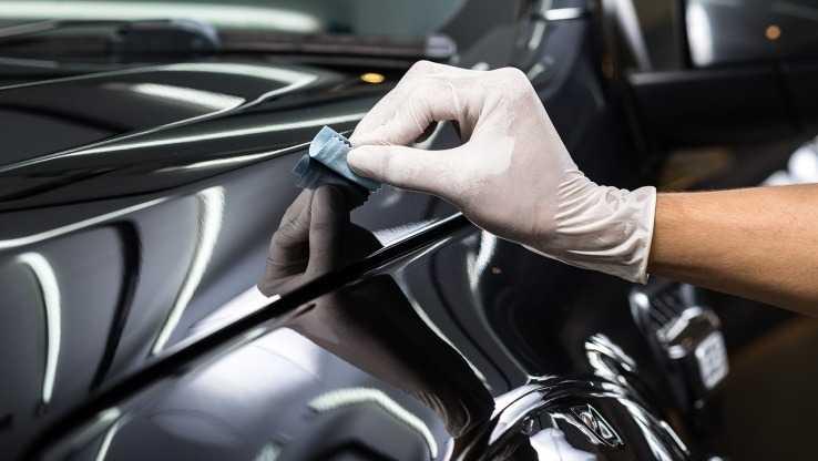 Нанесение керамики на крыло автомобиля