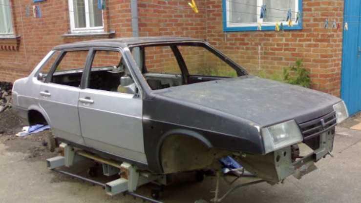 Кузов ВАЗ 21099 в ремонте