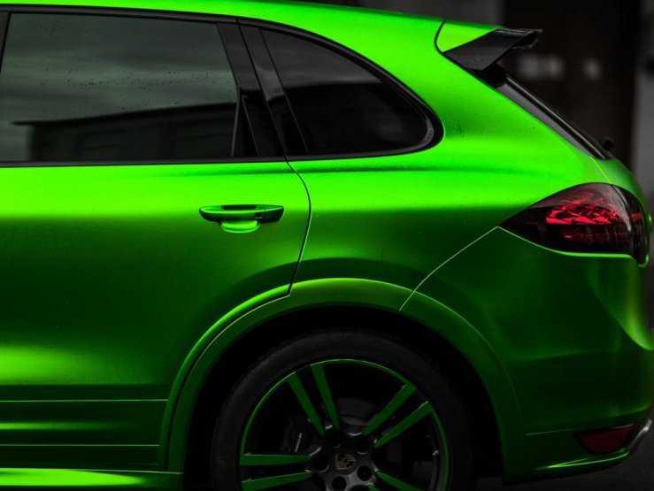 Кузов в матовой зеленой пленке